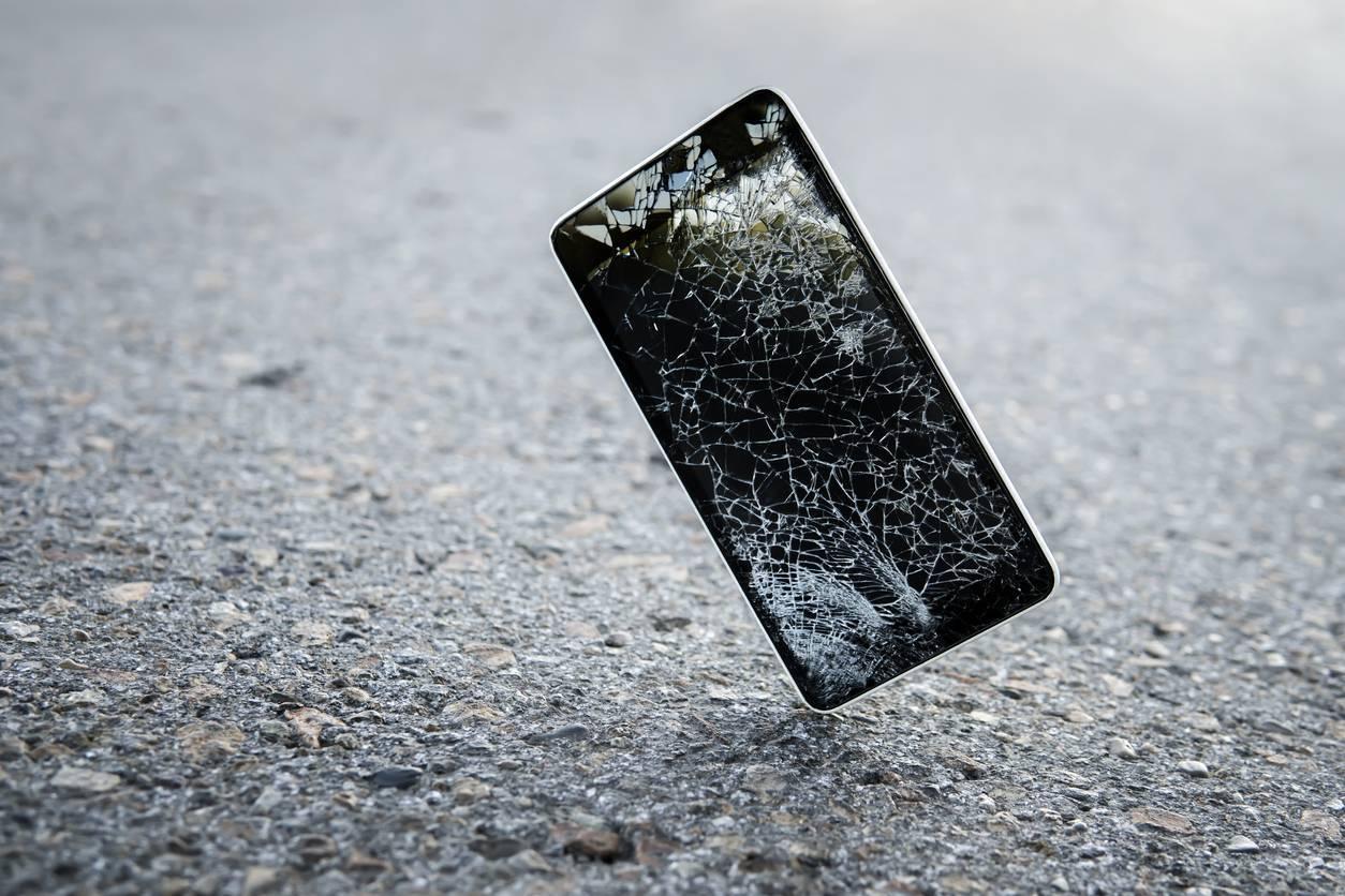 smartphone endommagé